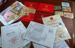 Nghệ An: Triệt phá đường dây làm bằng giả, giấy tờ giả