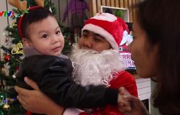 Sinh viên kiếm bội tiền từ dịch vụ ông già Noel
