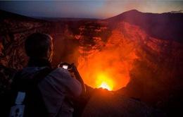 """Hiện tượng """"du lịch núi lửa""""- một trò chơi mạo hiểm!"""