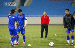 ĐT Việt Nam tập luyện làm quen sân trước trận giao hữu