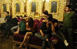 Đình chỉ Phó Giám đốc ngân hàng dương tính với ma túy trong quán karaoke