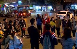 Người nước ngoài tại Việt Nam làm từ thiện dịp Giáng sinh