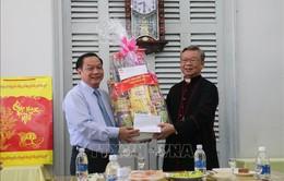 Bí thư Thành ủy Cần Thơ thăm Tòa Giám mục và cơ sở tôn giáo