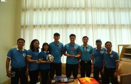 Đội tuyển bóng đá Việt Nam gửi tinh thần chiến thắng tới đảo Trường Sa