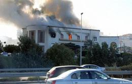Tấn công liều chết nhằm vào Bộ Ngoại giao Libya