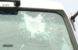 Nhiều ô tô bị ném đá khi đi ngang tuyến đường Quản Lộ - Phụng Hiệp