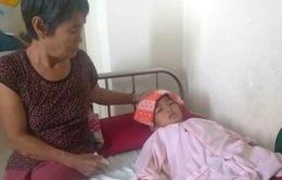 Sự sống mong manh của bé 8 tuổi mắc bệnh u não