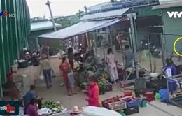 Bình Thuận: Người phụ nữ bị đánh do nghi bắt cóc trẻ em tại chợ