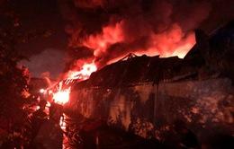 Vụ cháy tại công ty nhựa Kim Ngọc Long ở Cần Thơ gây thiệt hại lớn