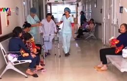 Có thể phẫu thuật thay khớp háng, khớp gối ngay tại bệnh viện tuyến huyện