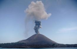 Indonesia điều hướng các chuyến bay do núi lửa hoạt động mạnh