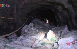 Khai thác quặng trái phép tại Tuyên Quang