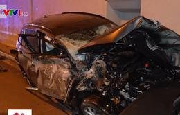 Hy hữu ô tô bay 6m trong vụ tai nạn tại Slovakia, tài xế chỉ bị thương nhẹ