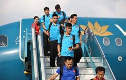 ẢNH: Người hâm mộ chào đón ĐT Việt Nam trở về nước