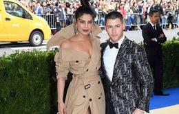 Hậu đám cưới, Nick Jonas tung ảnh tình cảm với vợ