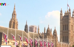 Sinh viên nước ngoài tới Anh giảm
