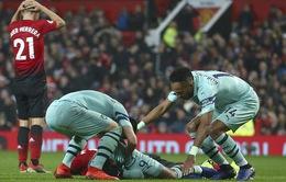 Kết quả bóng đá quốc tế rạng sáng ngày 06/12: Arsenal nối dài mạch bất bại, Chelsea thua sốc