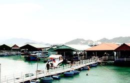 Đề xuất ngưng dịch vụ nhà hàng nổi trên vịnh Nha Trang