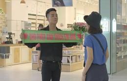 """Yêu thì ghét thôi - Tập 28: Dũng (Duy Nam) """"mặt dày"""" tỏ tình với Phương Anh (Trang Cherry) giữa trung tâm thương mại"""