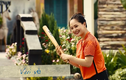 """Diễn viên Lan Phương, ca sĩ Bảo Trâm """"trày da tróc vảy"""" tại Gặp gỡ Đông Tây"""