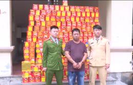Bắt nửa tấn pháo từ Trung Quốc