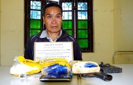 Bắt 1 đối tượng người Lào mang súng tự chế đi giao ma túy