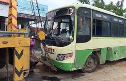 Phú Yên: Lật xe bus, 3 người bị thương