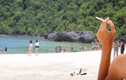 Thái Lan sẽ bỏ tù, phạt tiền du khách hút thuốc ở bãi biển