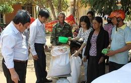 Gần 800.000 người nghèo đã nhận gạo hỗ trợ Tết