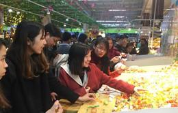 Nhiều cửa hàng tại Hà Nội không nghỉ Tết