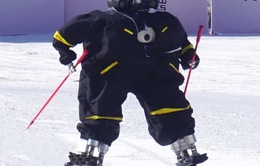 Độc đáo cuộc thi robot trượt tuyết đầu tiên trên thế giới