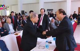 Thủ tướng gặp mặt cán bộ hưu trí Văn phòng Chính phủ