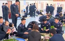 Cảnh sát biển đồng hành cùng ngư dân Quảng Trị đón Tết
