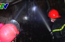 Cháy lớn trung tâm mua bán sầm uất ở TP. Kon Tum