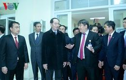 Chủ tịch nước thăm, chúc Tết các đơn vị trong đêm Giao thừa