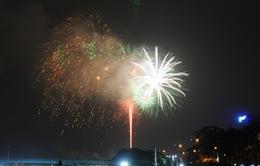 Người dân cả nước hân hoan đón chào năm mới