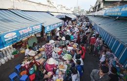 Nhộn nhịp các chợ ở Đà Nẵng ngày mồng 3 Tết