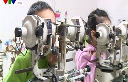 Dấu hiệu nhận biết trẻ có bệnh lý về mắt