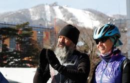 Bố mẹ đạp xe 1 năm từ Thụy Sĩ đến cổ vũ con thi đấu Olympic PyeongChang