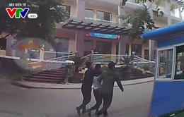 Phú Thọ: Một lái xe cứu thương bị tấn công