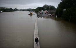 Ngoại ô Paris (Pháp) tiếp tục ngập lụt vì nước sông Seine dâng cao