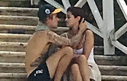 Những hình ảnh lãng mạn đầu tiên của Justin Bieber và Selena Gomez trong năm 2018