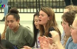 Học sinh, sinh viên Mỹ biểu tình kêu gọi kiểm soát súng