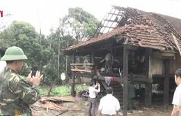 Mưa đá, lốc xoáy ở Nghệ An khiến nhiều nhà dân tốc mái
