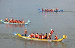 Sôi nổi hội đua thuyền truyền thống ở Phú Yên