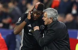 """Đày Pogba lên dự bị, Mourinho nói gì về """"cái thái độ""""?"""