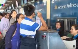 Khan hiếm vé máy bay từ các tỉnh về TP.HCM