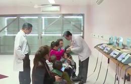 Nguy hiểm tật vẹo cổ ở trẻ sơ sinh