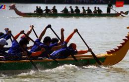 Không phải đi đâu xa, bạn có thể xem đua thuyền rồng ngay tại Hà Nội