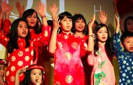 """""""Chạm - Toucher"""" quảng bá văn hóa Việt Nam tới công chúng Pháp"""